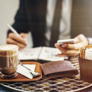 ¿Puede un autónomo trabajar a la vez en varios sectores?